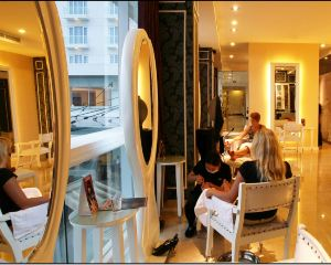 香港-萬鴉老自由行 新加坡航空-美娜多巨港半島酒店