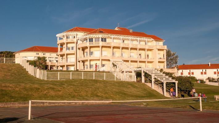 梅爾歐仁妮高爾夫酒店