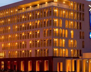 香港-恩甲美那自由行 法國航空公司恩賈梅納麗笙布魯酒店