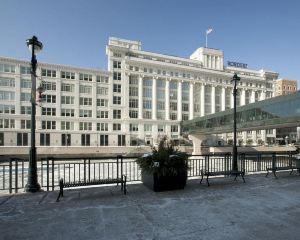 香港-密爾沃基自由行 美國達美航空公司-密爾沃基市中心居家酒店