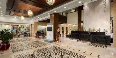 卡塔爾航空+伊斯蘭堡温德姆華美達酒店