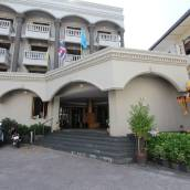 蜂蜜洛奇酒店