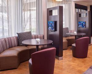 香港-圣路易斯自由行 美國聯合航空-聖路易斯市中心西萬怡酒店