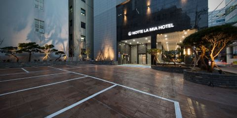香港快運航空諾克拉米亞酒店