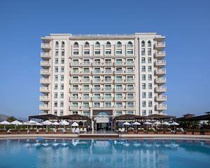 香港-安塔利亞自由行 卡塔爾航空-安塔利亞皇冠假日酒店