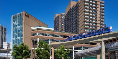美國聯合航空+底特律市中心萬怡酒店