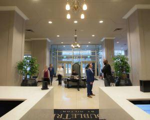 香港-底特律自由行 美國聯合航空底特律市中心希爾頓逸林酒店--謝爾比堡