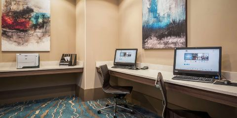 卡塔爾航空+西棕櫚灘機場希爾頓逸林酒店