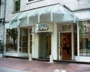 香港-杜塞爾多夫自由行 中國國際航空公司-麥迪遜杜塞爾多夫火車總站諾富姆酒店