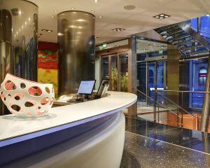 香港-博洛尼亞自由行 北歐航空博洛尼亞中心烏納酒店