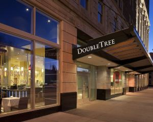 香港-底特律自由行 加拿大航空公司-底特律市中心希爾頓逸林酒店--謝爾比堡
