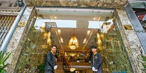 中華航空公司河內金色假日酒店