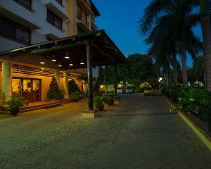 香港-達累斯薩拉姆自由行 毛里裘斯航空-海崖閣酒店及豪華公寓