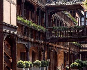 香港-斯特拉斯堡自由行 法國航空公司-斯特拉斯堡烏鴉之屋美憬閣酒店