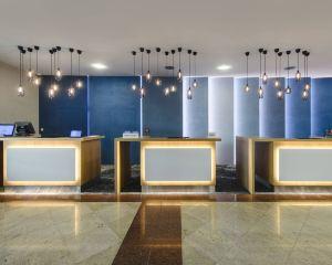香港-華沙自由行 阿聯酋航空華沙機場萬怡酒店