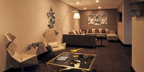 卡塔爾航空洛杉磯H酒店,希爾頓格芮精選酒店