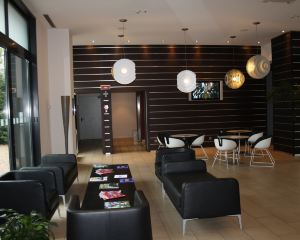 香港-米蘭自由行 長榮航空米蘭喬亞IH酒店