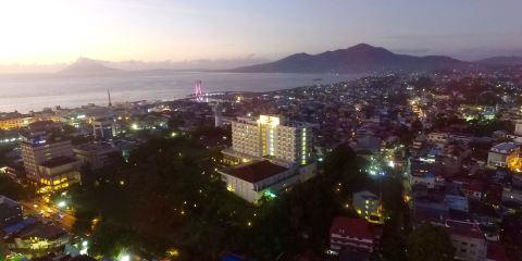 印尼嘉魯達航空+美娜多巨港半島酒店