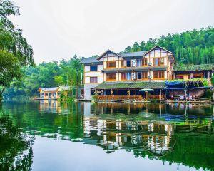 香港-宜賓自由行 中國國際航空蜀南竹海陳家院子半島庭院酒店